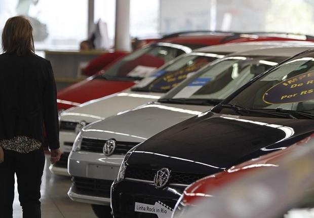 Venda de carros novos voltou ao patamar de 2010 (Foto: Jonathan Campos)