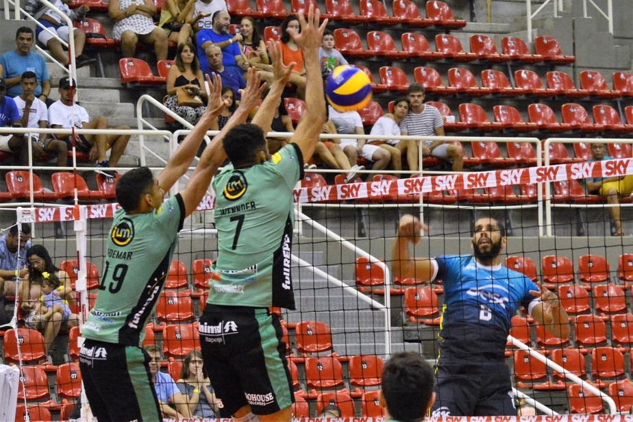 Itapetininga vai ao Rio, derrota o SESC-RJ por 3 sets a 1 e garante a vaga nos playoffs da Superliga
