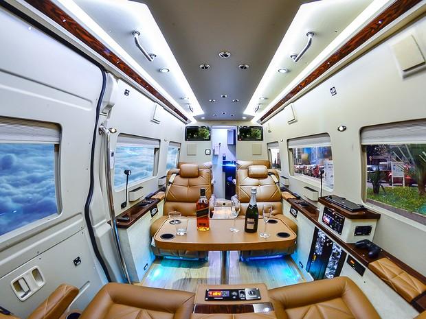 Interior da Mercedes-Benz Sprinter Jetvan modificada pela Procopio Special Vehicles (Foto: Divulgação)