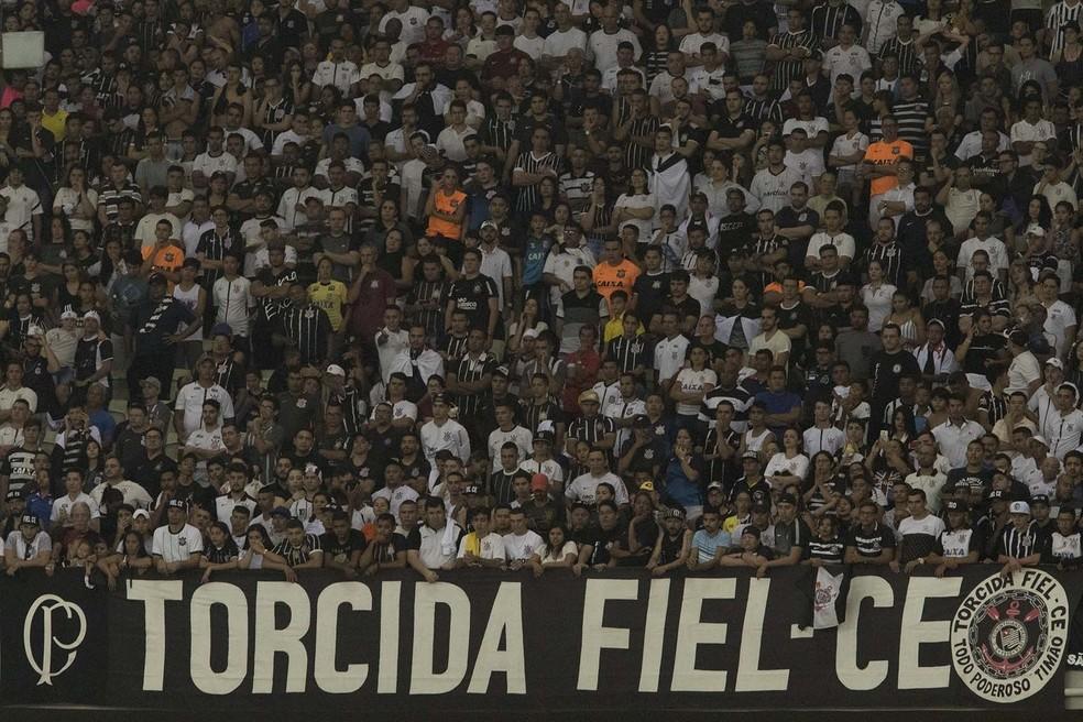 Torcida do Corinthians em jogo no Ceará — Foto: Daniel Augusto Jr.