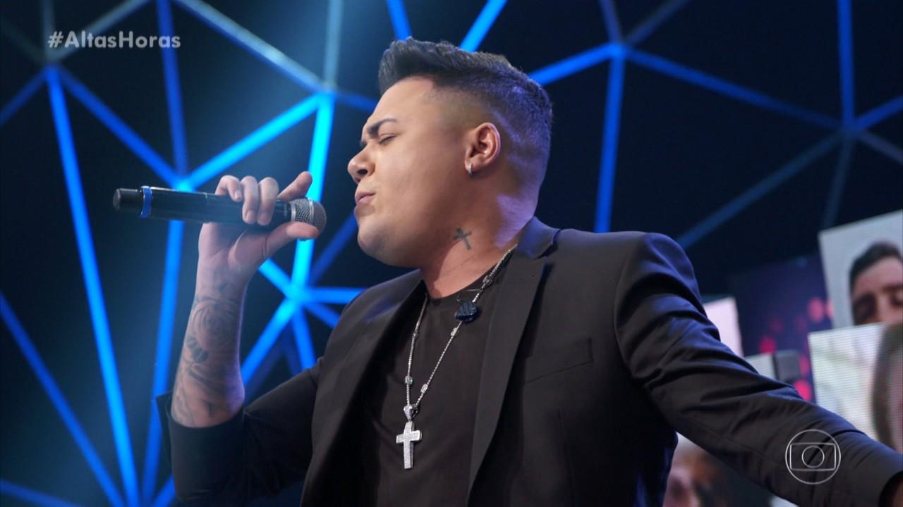Felipe Araújo canta 'Atrasadinha'