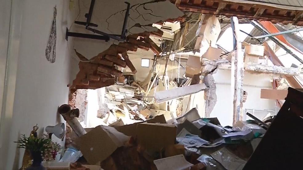 Casal dormia quando quadrilha explodiu empresa de valores de Araçatuba (Foto: Reprodução/TV TEM)