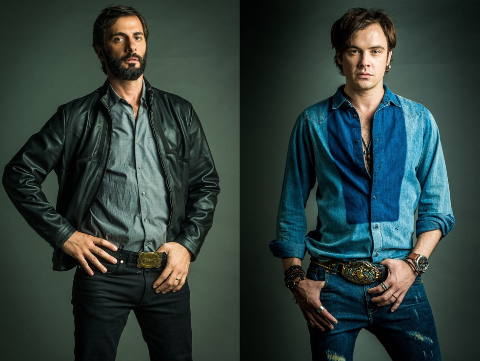 Personagens de Flavio Tolezani e Sérgio Guizé são inspirados no sertanejo. O cinto afivelado é peça-chave!  (Foto: TV Globo/Raquel Cunha)