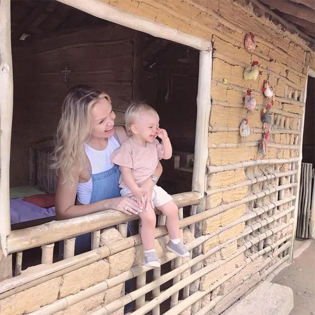 Eliana e a filha, Manuela (Foto: Reprodução / Instagram)