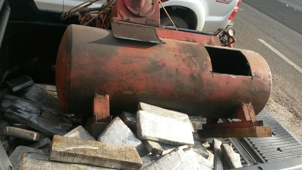 Droga estava escondida em compressor de ar em Bauru (Foto: Polícia Rodoviária/Divulgação)