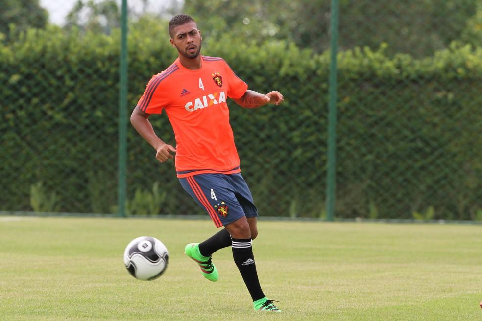 Christianno vai defender o Boavista no Carioca — Foto: Aldo Carneiro/Pernambuco Press