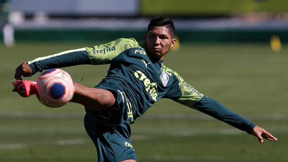 Sem Luxa, elenco do Palmeiras encerra semana com mais um treino com bola e testes para Covid-19