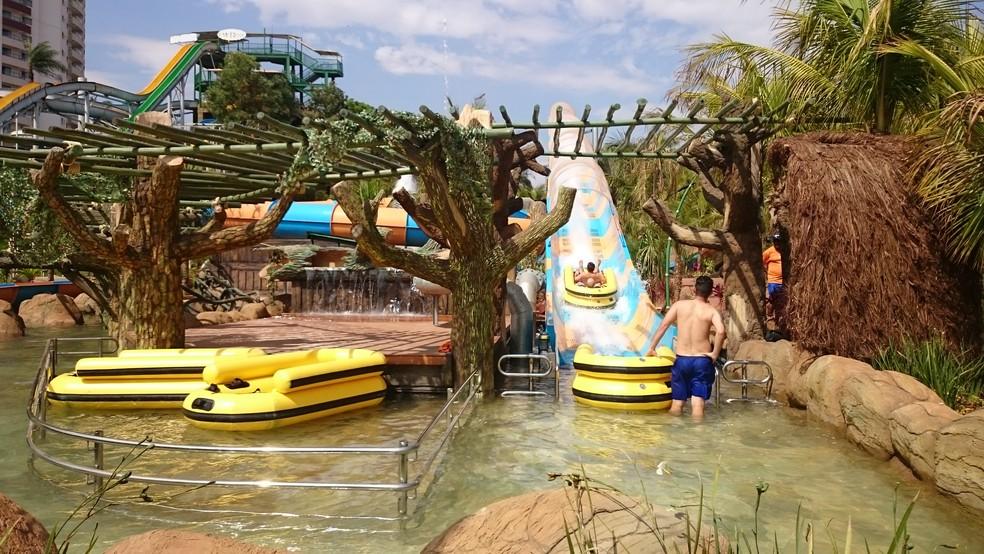 Montanha-russa aquática é composta por boias de dois lugares que são impulsionadas por jatos de água (Foto: Heloísa Casonato/G1)