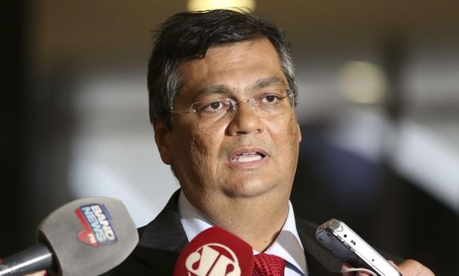 Flávio Dino dá entrevista em Brasília