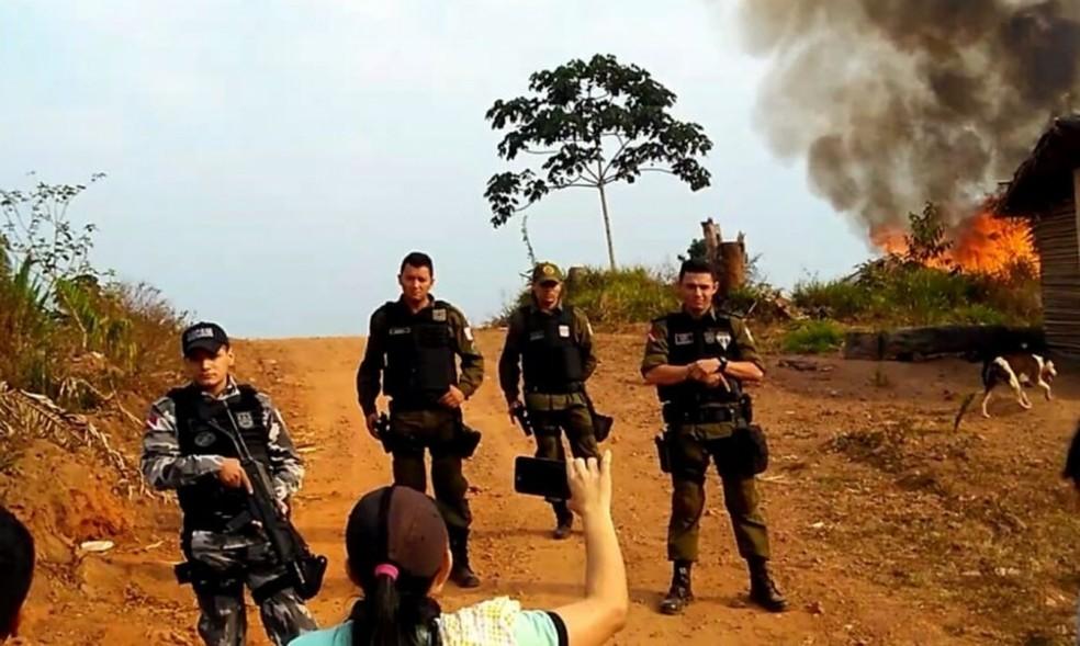Agentes da Polícia Militar participaram da ação em reserva indígena (Foto: G1 PA)