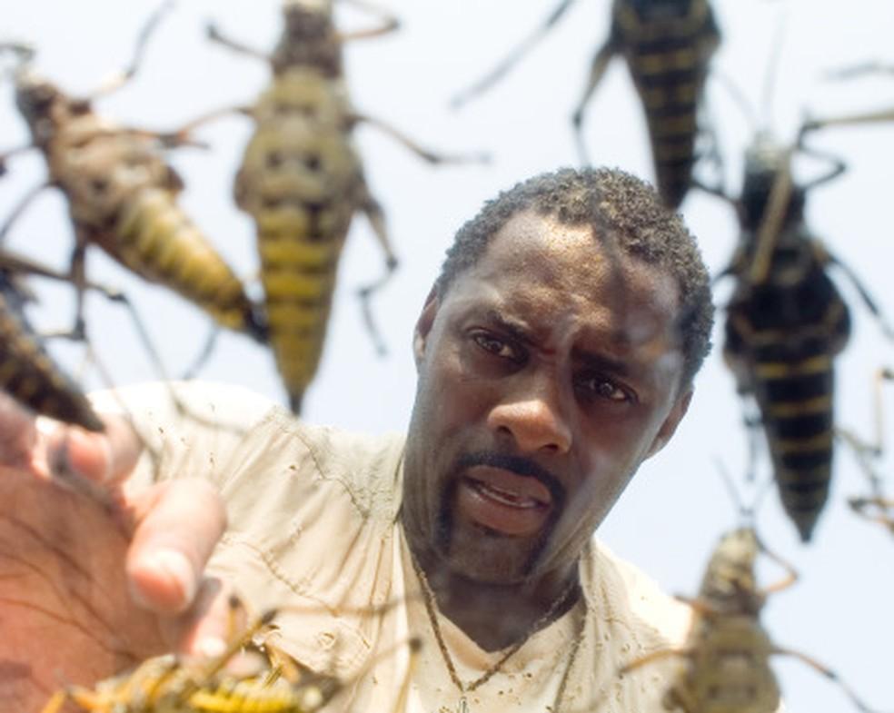 Idris Elba em 'A colheita do mal' — Foto: Divulgação