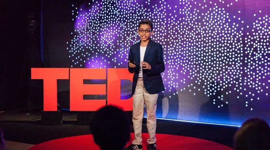 Haaziq Kazi, criador do projeto ERVIS, durante TEDx (Foto: Divulgação)