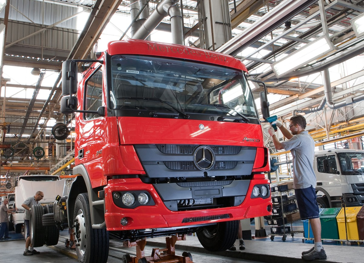 Mercedes expects at least 20% drop in truck sales in Brazil, and sees ...