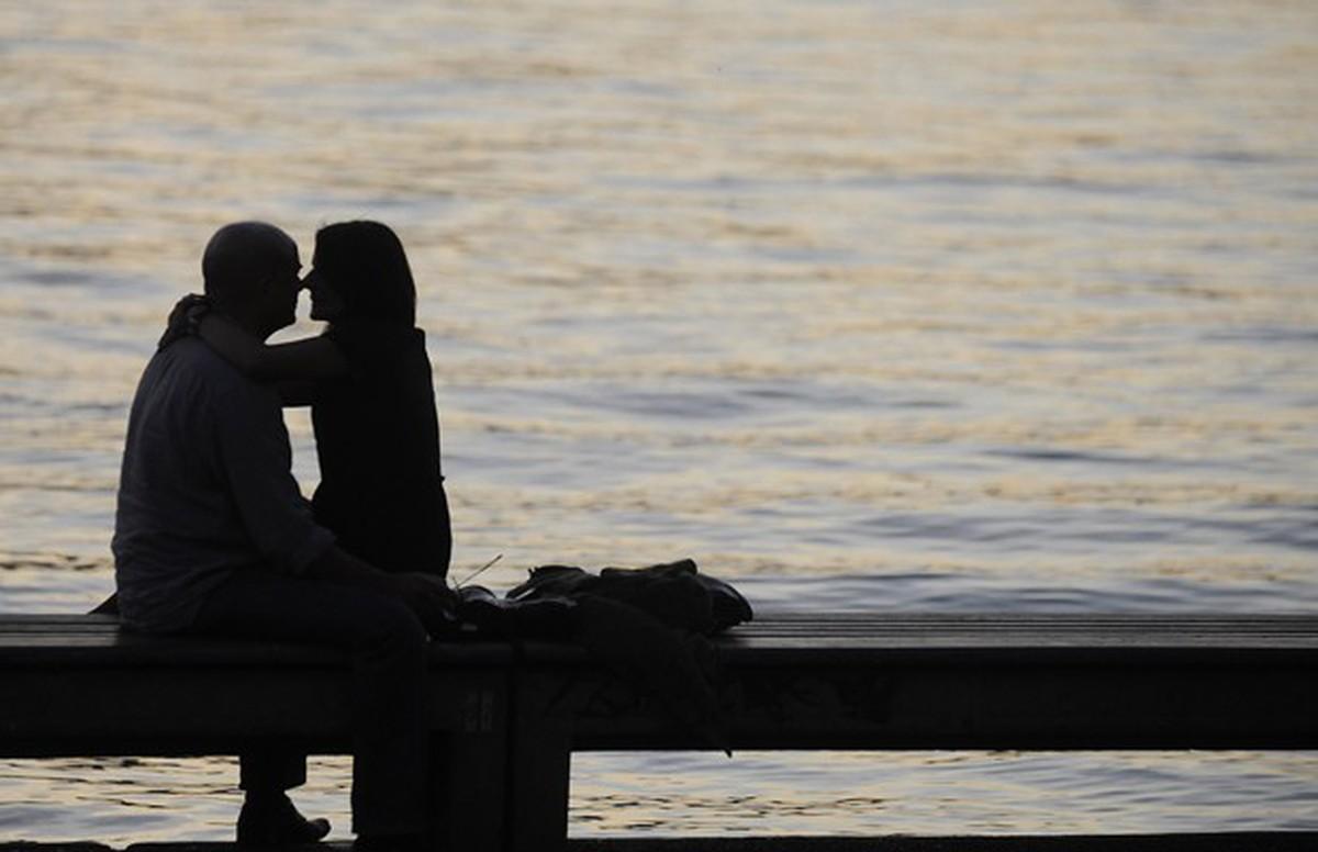 Mulheres heterossexuais têm menos orgasmos do que homens e mulheres lésbicas ou bissexuais, diz estudo