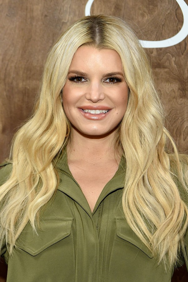 "FRANKLIN, TENNESSEE - FEBRUARY 14: Jessica Simpson celebrates #1 New York Times best-selling memoir, ""Open Book"" at Dillard's CoolSprings on February 14, 2020 in Franklin, Tennessee. (Photo by John Shearer/Getty Images for Jessica Simpson Collection) (Foto: Getty Images for Jessica Simpson)"