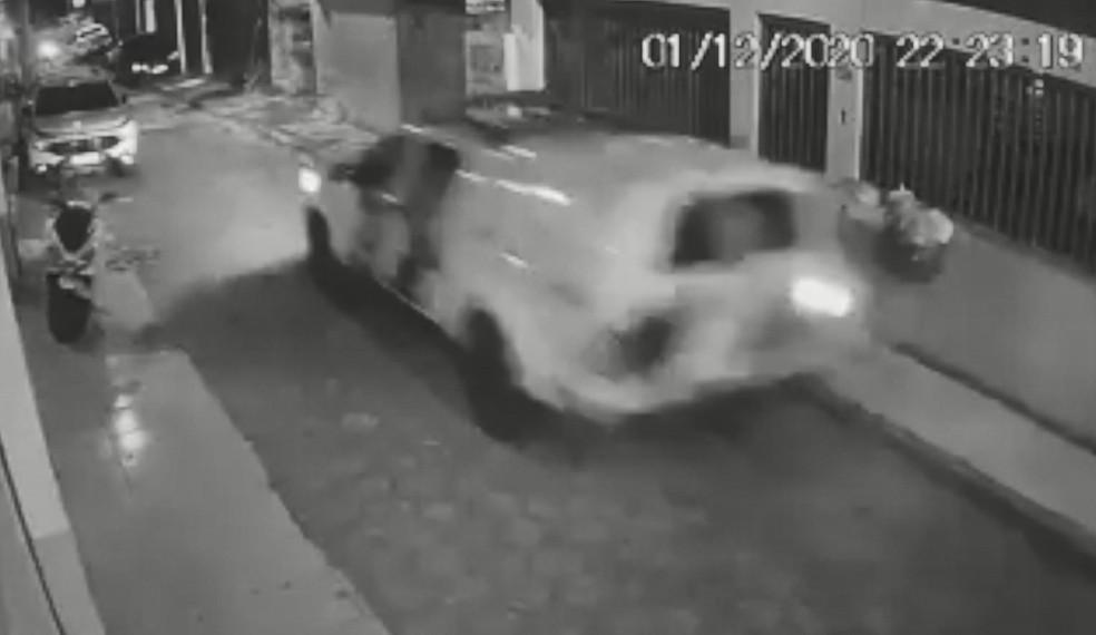 Câmera registrou perseguição em Vitória  — Foto: Reprodução/TV Gazeta