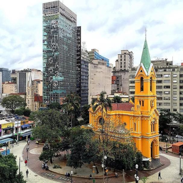 Prédio no Largo do Paissandú (Foto: @jpblini/Reprodução)