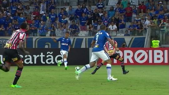 """Sem vencer há 45 dias, Cruzeiro enfrenta """"pedra no sapato"""" em busca de retomada no Brasileiro"""
