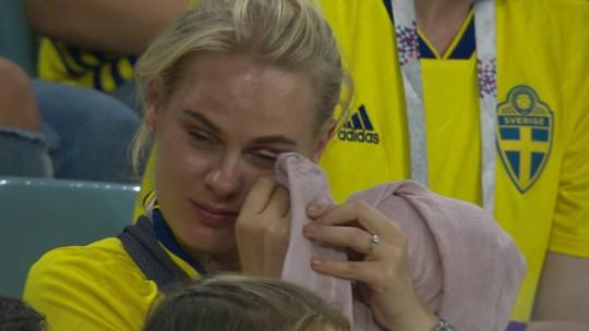Torcedora da Suécia chora muito mesmo antes do segundo gol alemão