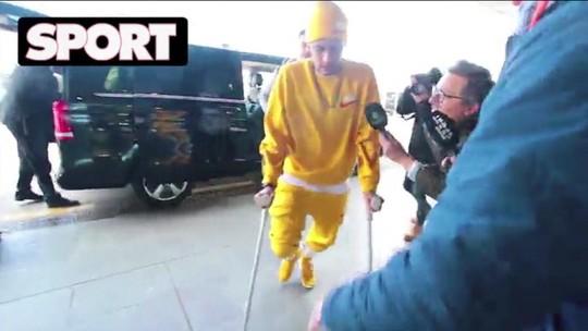 Lesão de Neymar levanta debate sobre drible, e ex-jogadores, juízes e jornalistas defendem o craque