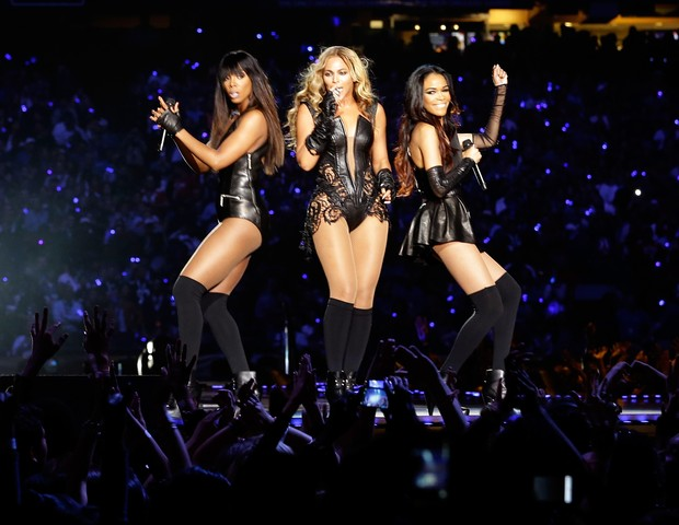 Kelly Rowland, Beyoncé e Michelle Williams em apresentação especial do Destiny's Child no Super Bowl em 2013 (Foto: Getty Images)