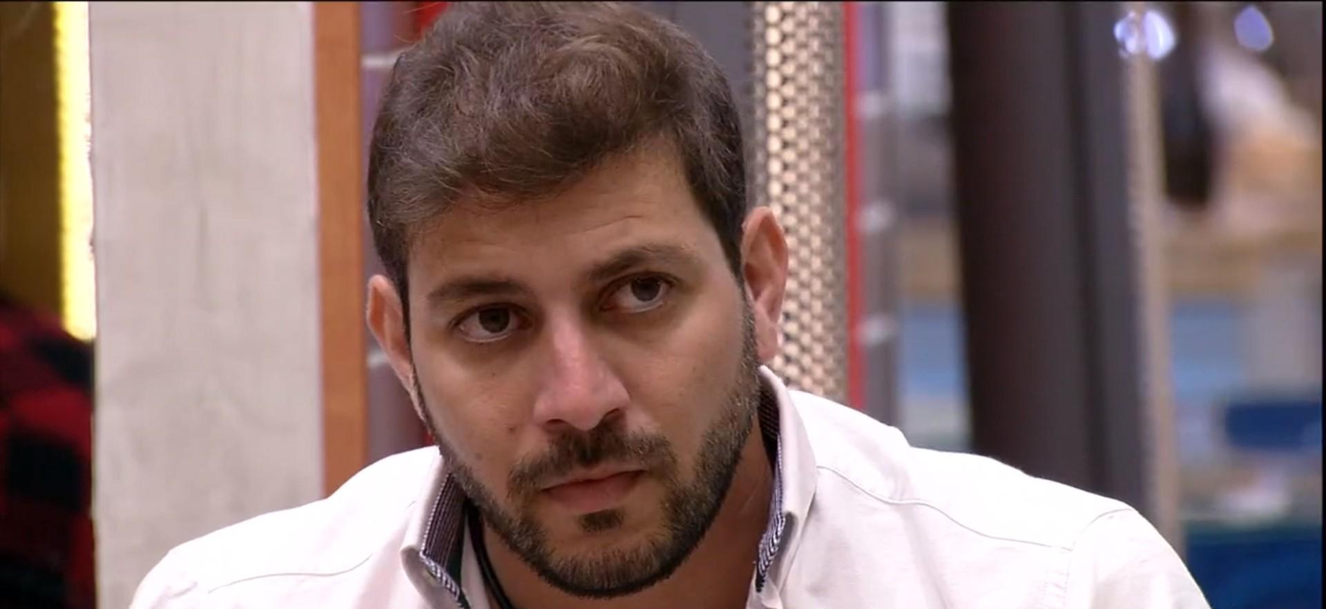 Caio é o décimo primeiro eliminado no paredão do 'BBB21', com 70,22% dos votos