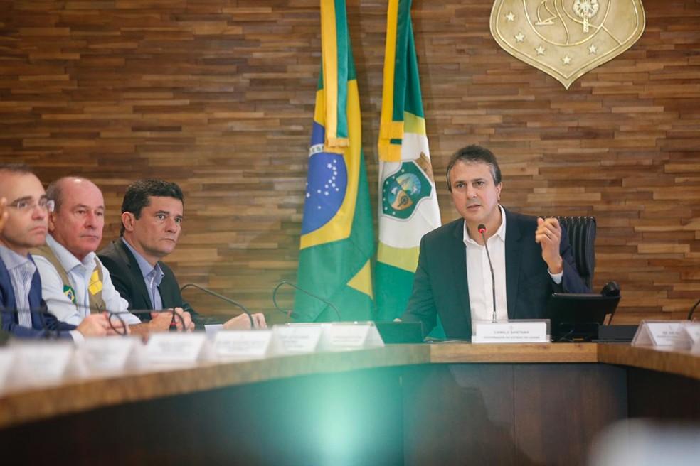 Camilo Santana e Moro se reuniram nesta segunda-feira (24) em Fortaleza — Foto: Thiago Gadelha/SVM