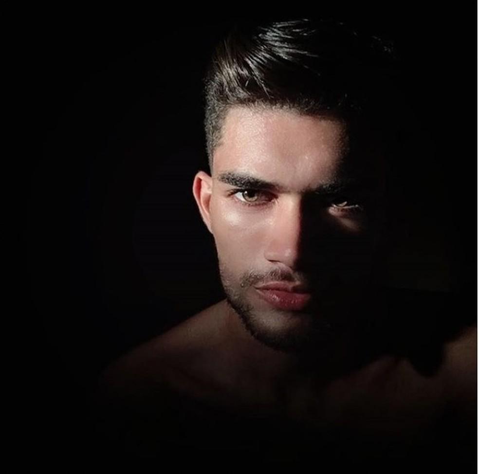 Edilson Matos, de 23 anos, foi eleito Mister Pimenta Bueno, em 2016, e sonhava seguir carreira de modelo — Foto: Rinaldo Moreira/G1
