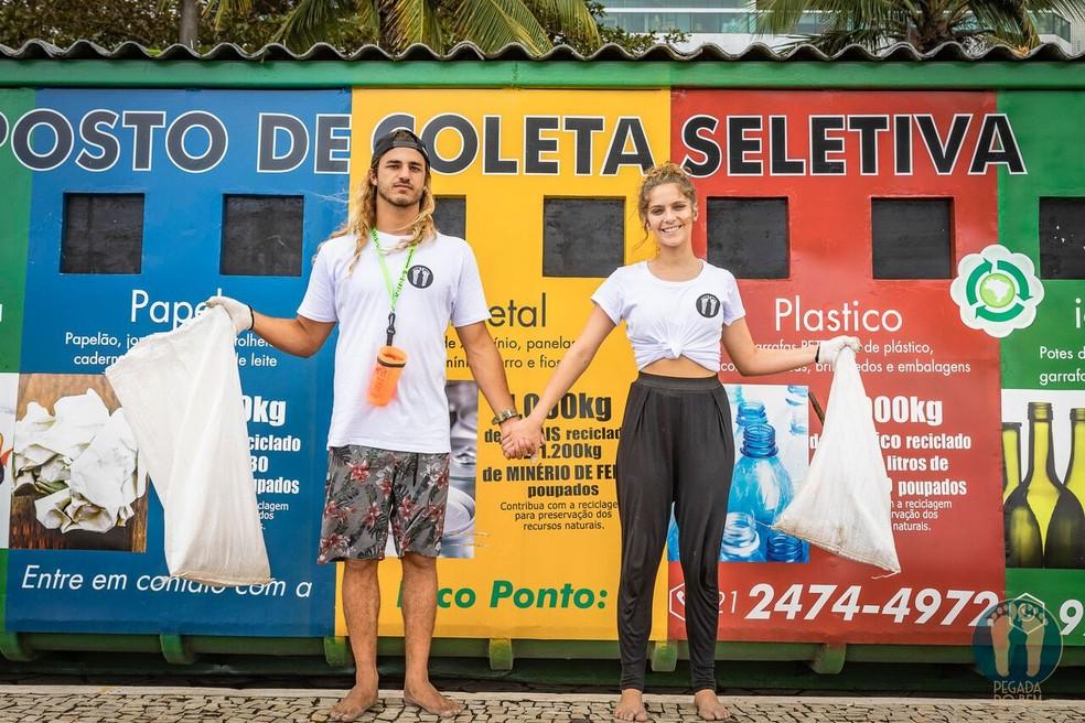 Caio Vaz e Isabella Santoni, de mãos dadas, na luta contra a poluição  — Foto: Alexandre Socci / Divulgação