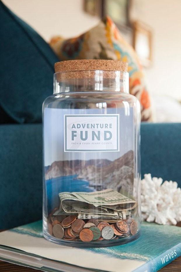 Potes de vidro: Cofrinhos personalizados (Foto: Pinterest/Reprodução)