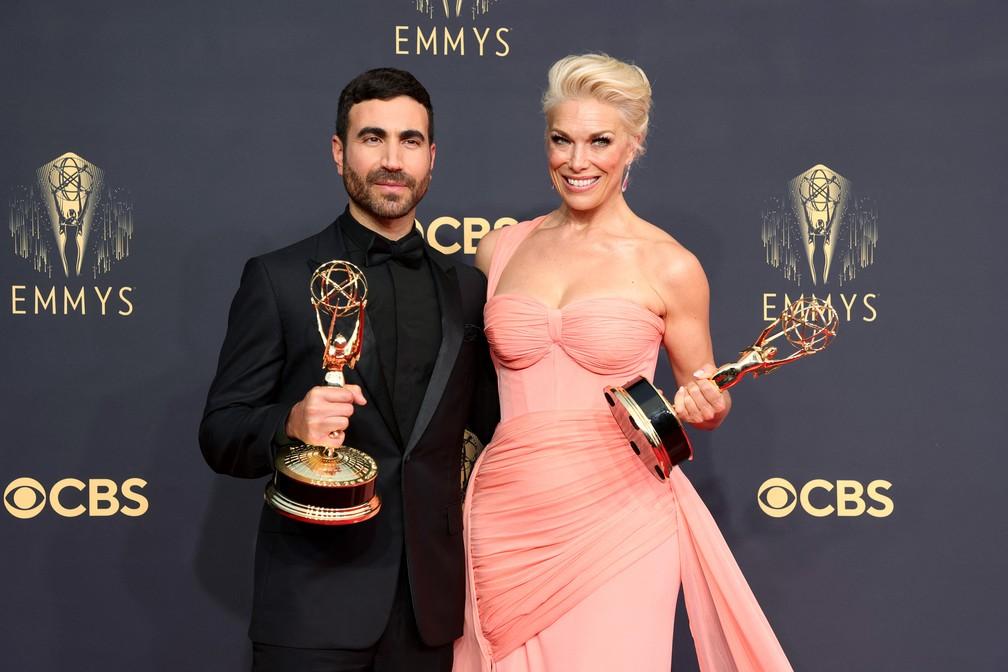 Brett Goldstein e Hannah Waddingham são os dois primeiros vencedores do Emmy 2021 — Foto: Rich Fury/Getty Images North America/Getty Images via AFP