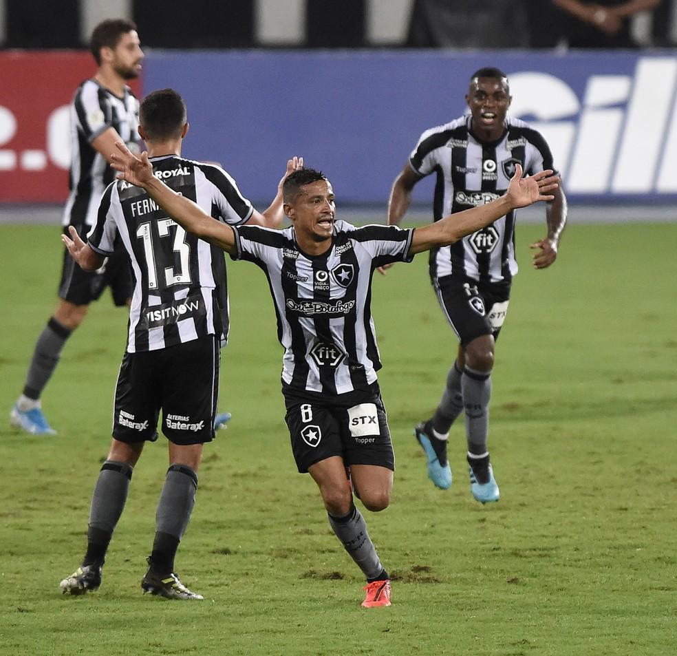 Cícero ganhou papel importante fora de campo — Foto: André Durão/GloboEsporte.com