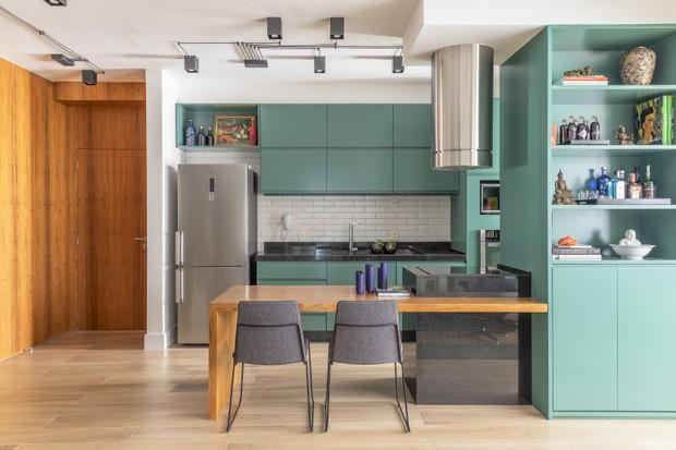 112 m² com cor e personalidade para um jovem solteiro (Foto: FOTOS RAFAEL RENZO )