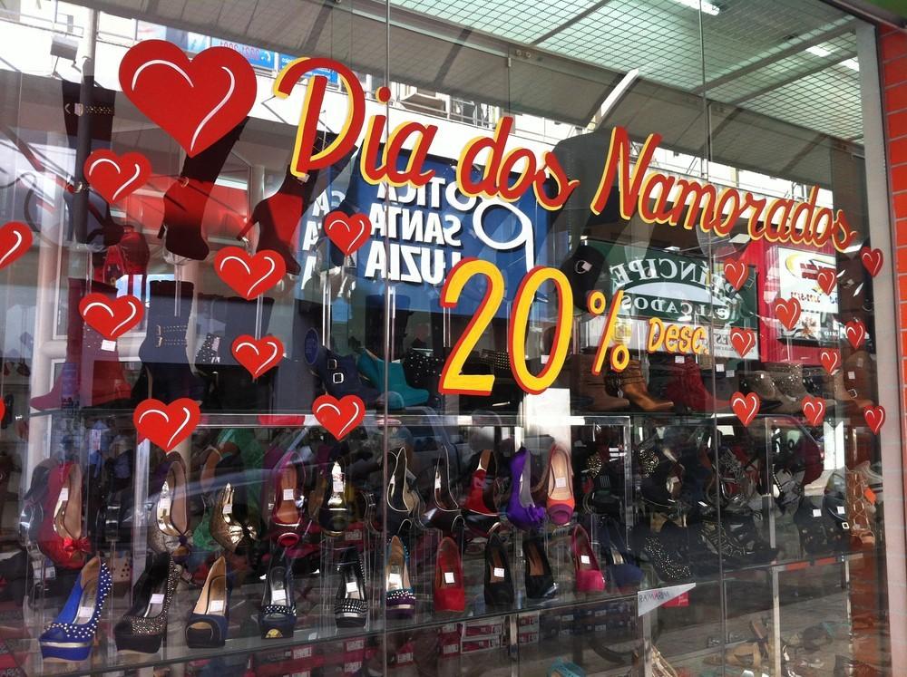 Sindcomércio de Montes Claros explica funcionamento de lojas no Dia dos Namorados