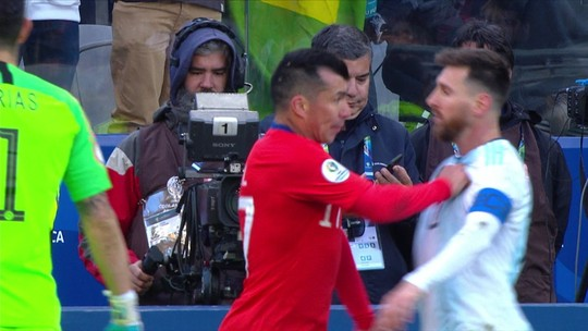 AFA pede retirada de vermelho e tenta evitar suspensão de Messi na Argentina pelas eliminatórias