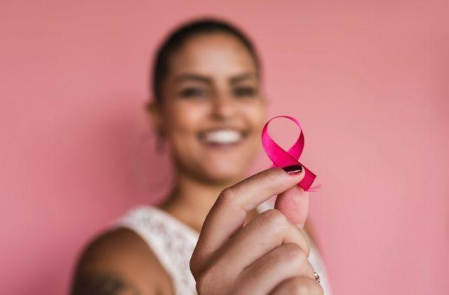 Ação do Outubro Rosa é realizada no bairro do Riachão na quinta-feira (21), em Caruaru