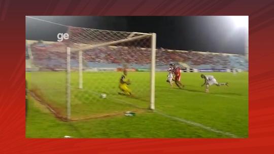 """""""Só levantar a bola na área que eu vou procurá-la"""", diz Val Barreto após gol pelo Imperatriz"""