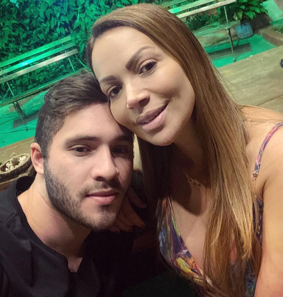 Solange Almeida e Monilton — Foto: Reprodução/Instagram