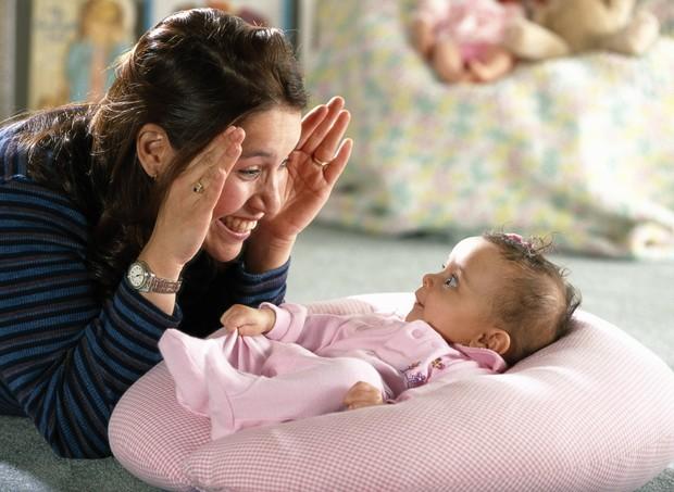 Cadê? Achou!; brincadeira; bebê; desenvolvimento (Foto: Thinkstock)