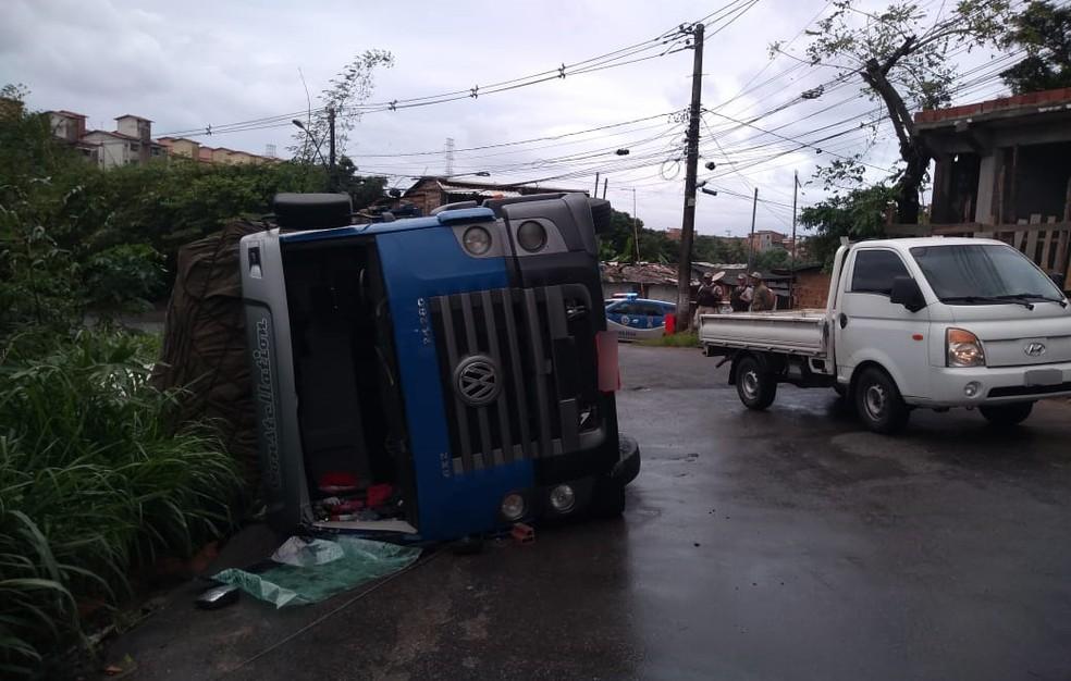 Ninguém ficou ferido no acidente — Foto: Cid Vaz/TV Bahia