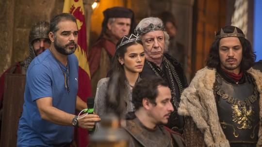 'Deus Salve o Rei': Confira os bastidores do velório da Rainha Crisélia