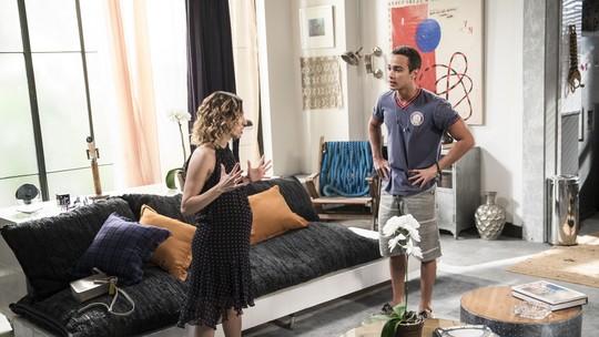 Márcio cai aos prantos com revelação  e descobre paternidade do bebê de Camila