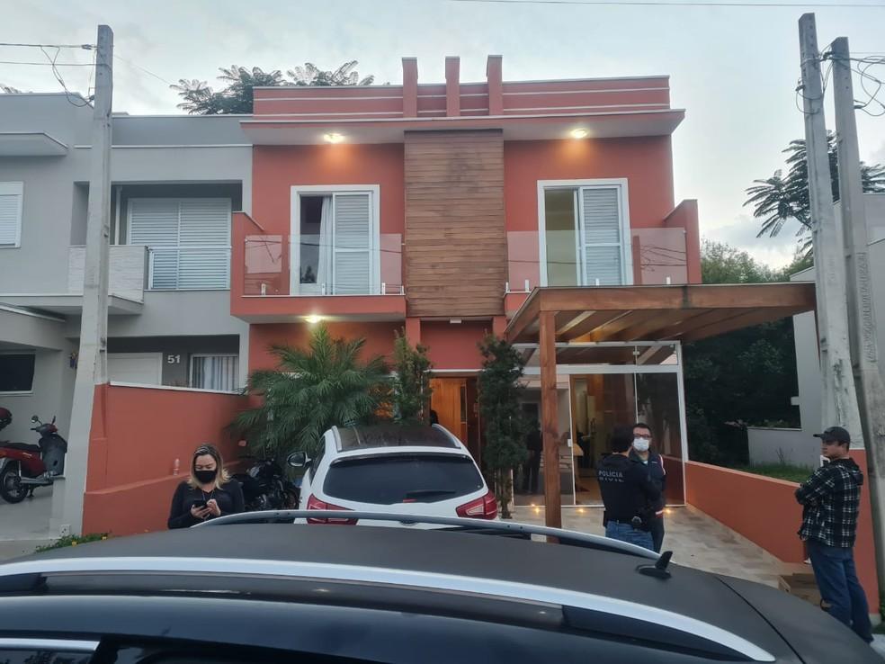 Casa de uma das pessoas investigadas pela Polícia Civil em Indaiatuba na quadrilha de fraude em cartões de crédito — Foto: Polícia Civil/Divulgação