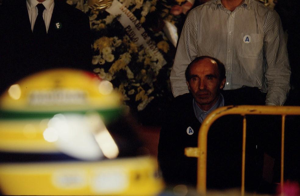 Frank Williams durante o velório de Ayrton Senna em São Paulo — Foto: Getty Images