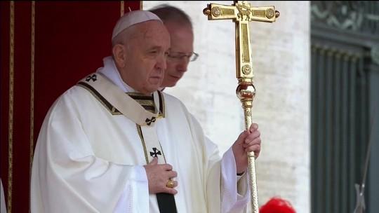 No Vaticano, Papa Francisco pede o fim de conflitos armados