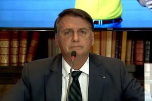Bolsonaro em sua live semanal