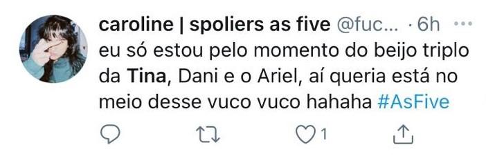Internauta comenta cena de beijo triplo em 'As five' (Foto: Reprodução)