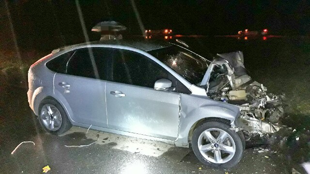 Colisão entre carro e ônibus deixa duas pessoas feridas no Grande Recife