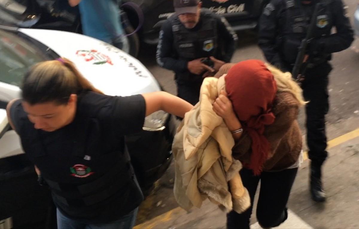 Advogada e repórter Luana Don chega à Penitenciária Feminina