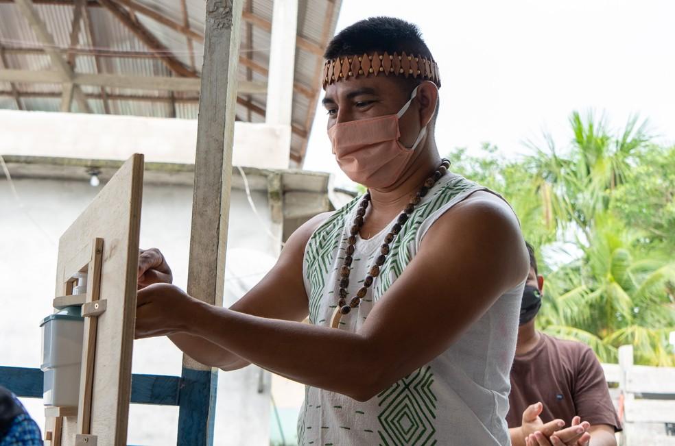 Campanha visa incentivar vacinação entre os índios.  — Foto: Giulia Aguiar/FAS